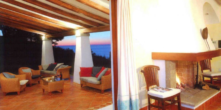 villa-for-sale-in-sardinia-3