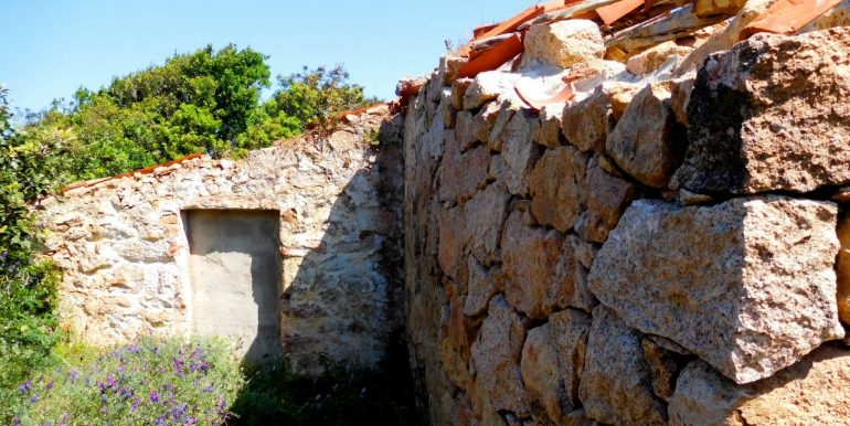 Farmhouse-for-sale-in-sardinia-2