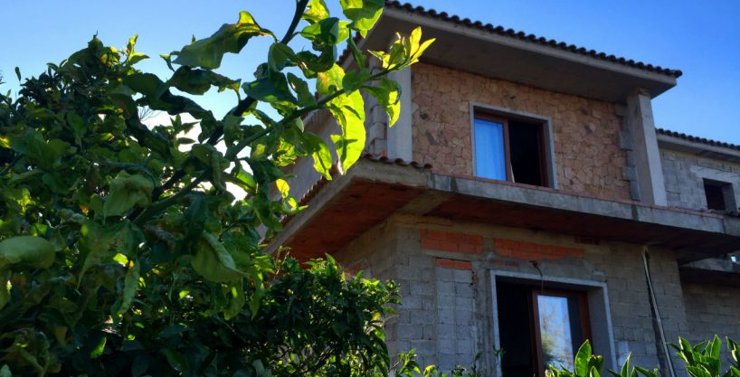 Semi-detached villa for sale in Sardinia, a place to live all year round between sea and thermal bath