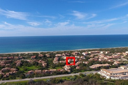 apartment for sale in Sardinia steps from the beach