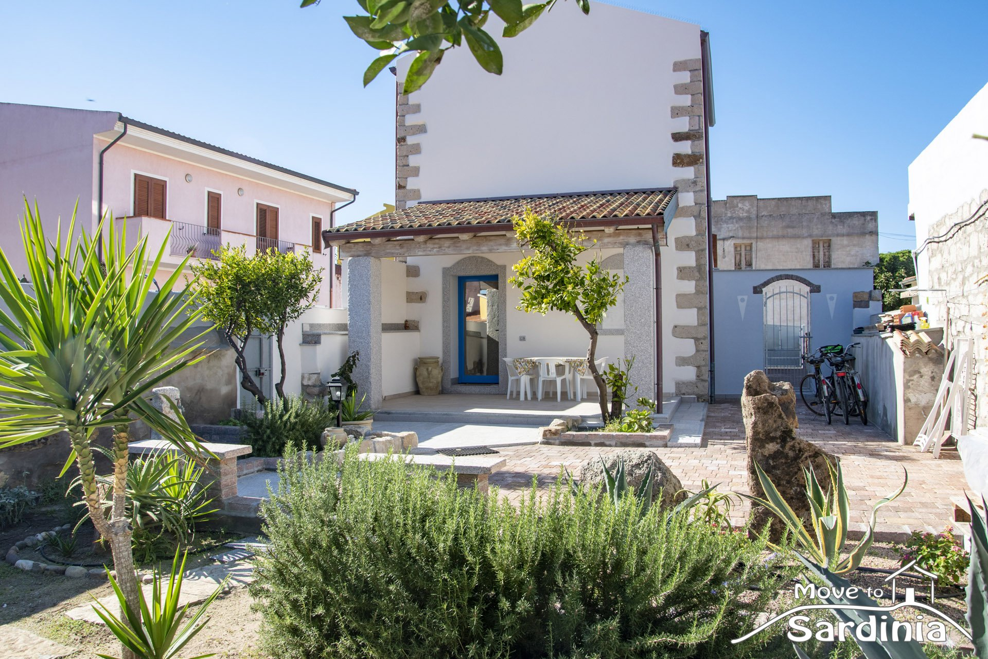 House for sale in Sardinia, beautiful villa recently renovated, excellent finishes