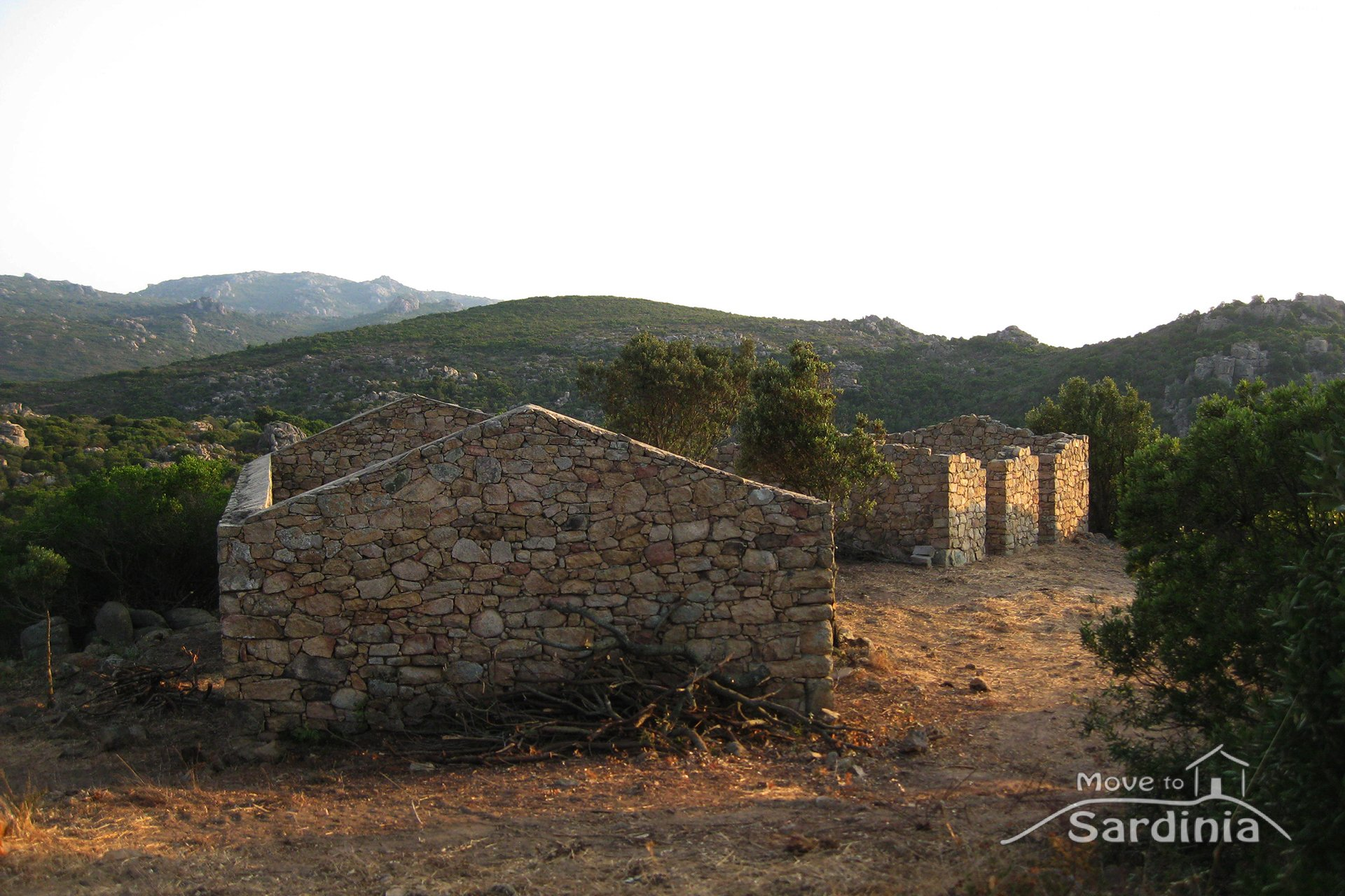 Country house for sale in Sardinia,5km from the village of Costa Paradiso