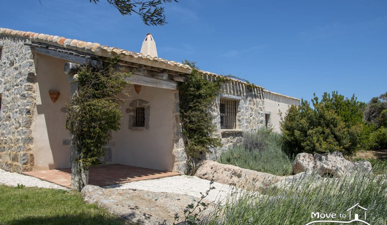 contry house for sale in Sardinia AGL-PI-40